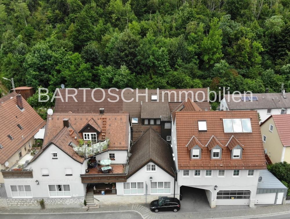 Heiligenstadt in Oberfranken - KAPITALANLAGE - 3 verbundene Häuser mit 10 Wohneinheiten